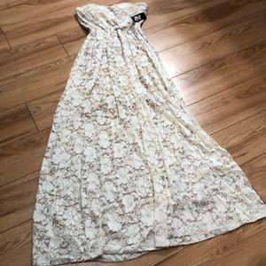Dresses & Skirts - NWT nude dress. Size 3/4